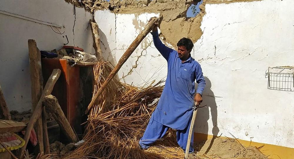 زلزله پاکستان تعدادی  کشته برجای گذاشت + ویدئو