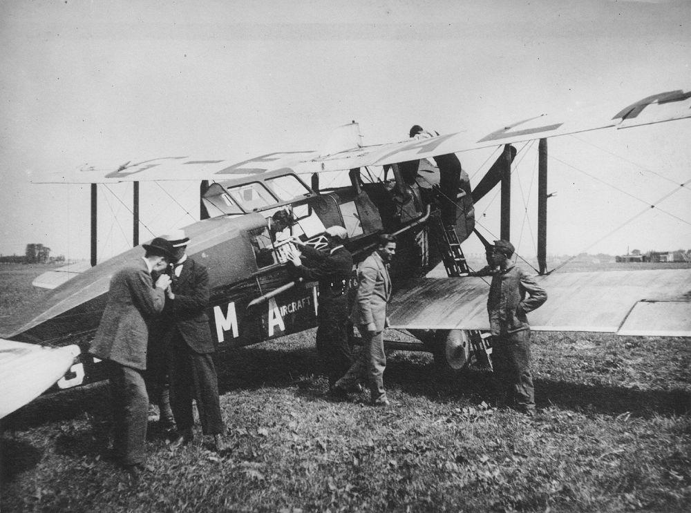 شرکت هواپیمایی « ک.ال.ام» قدیمی ترین شرکت هواپیمایی جهان یکی از اولین هواپیماهای شرکت