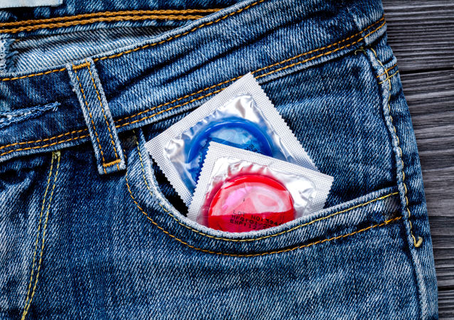 ممنوعیت کنار گذاشتن کاندوم قبل از پایان رابطه جنسی در کالیفرنیای آمریکا