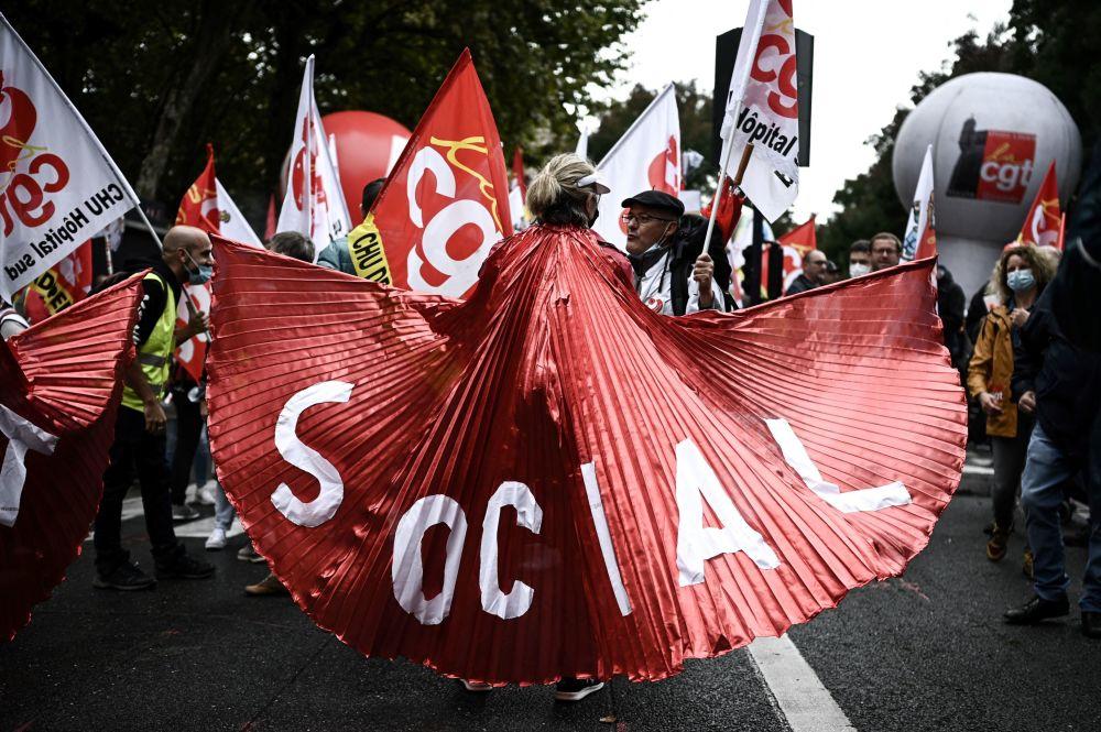 رویدادهای هفته به روایت تصویر تظاهرات اتحادیه های فرانسه