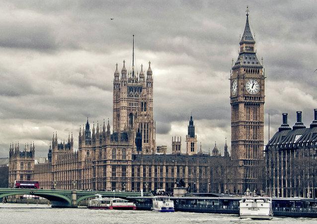 محکومیت دو دانشجوی انگلیس به خاطر نگهداری فایل آموزشی بمب سازی