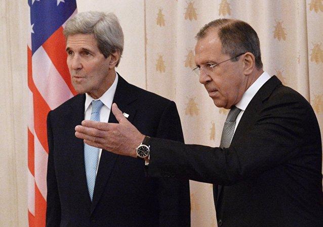 کری: به عقیده  روسیه و امریکا، داعش خطر مشترکی برای همه کشور ها است