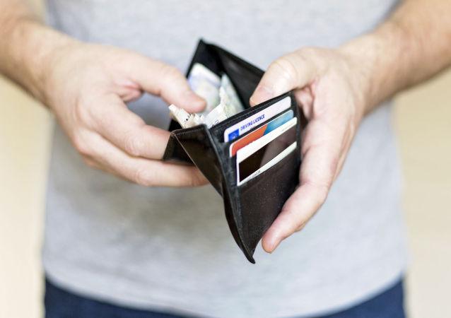 به زودی میلیون ها آمریکایی فقیر می شوند