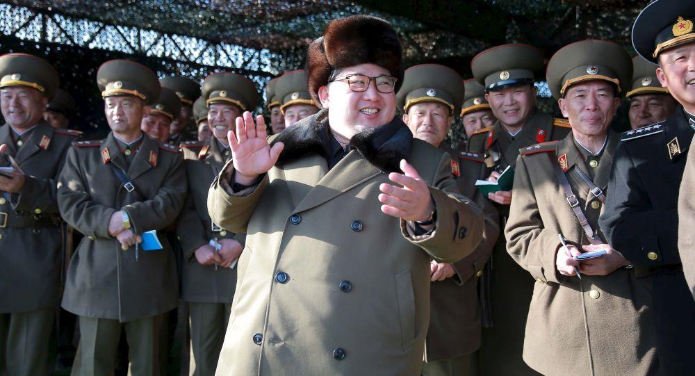 کیم جونگ اون رهبری آزمایش سامانه جدید آتشبار موشکی را بر عهده داشت