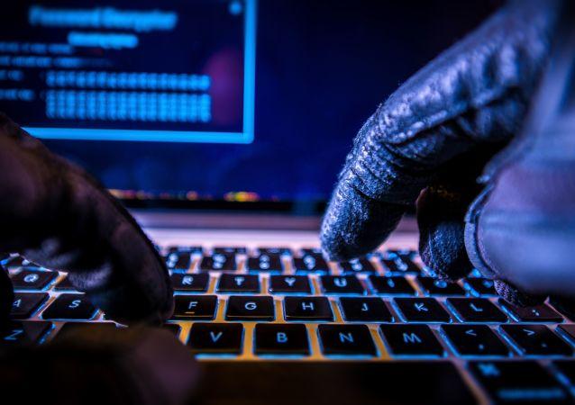 دزدی اطلاعات با فن درون کامپیوتر
