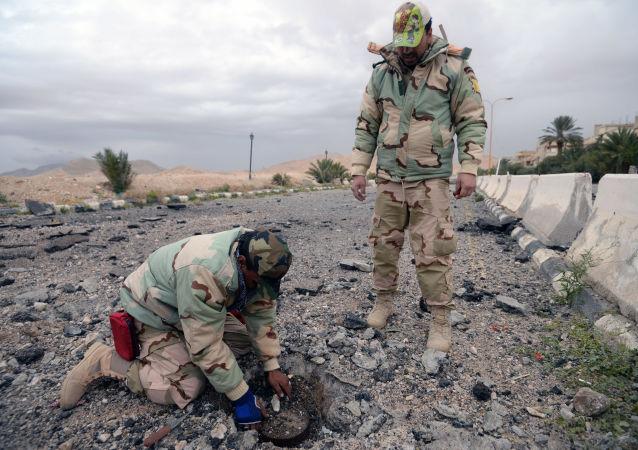 انهدام بیش از 1500 مین در شهر پالمیرای سوریه با مساعدت روسیه