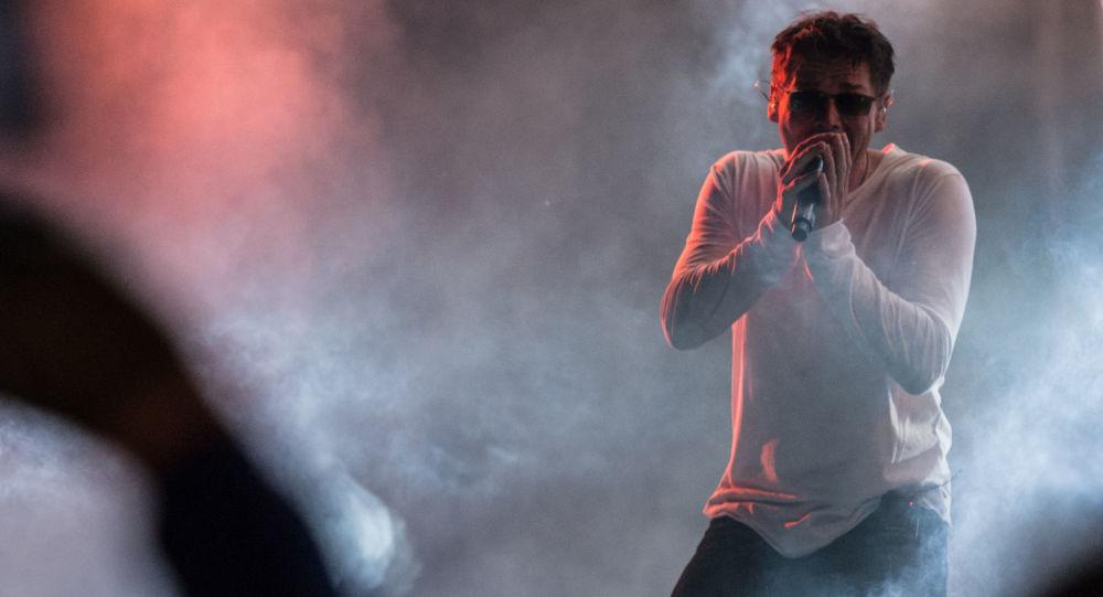 واکنشها به کنسرت جنجالی خواننده مشهور موسیقی پاپ ایرانی لس آنجلس +ویدئو