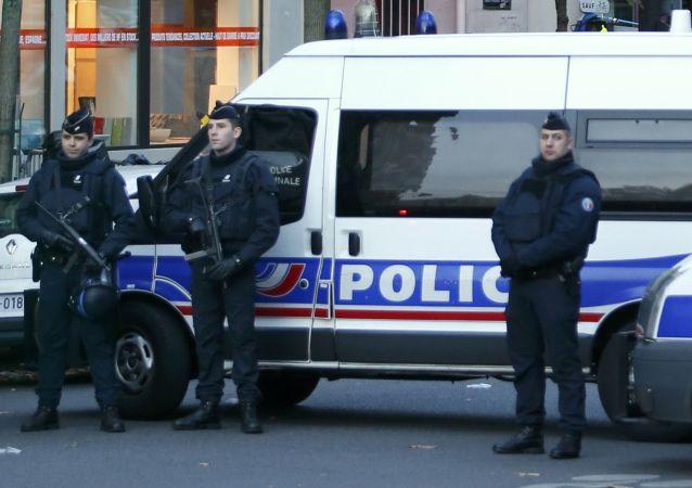 تیراندازی مرگبار و چاقو کشی در نزدیکی یک مهد کودک در فرانسه