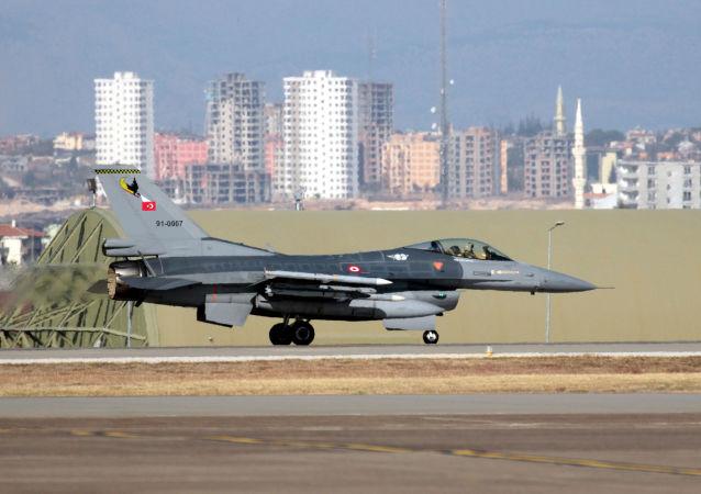 حملات جدید توپخانه ای و هوایی ترکیه به عراق