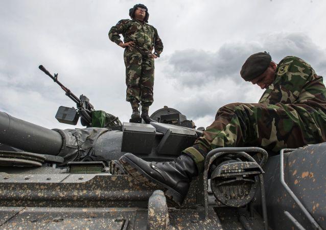 نظامیان روسیه فرمانده کل ناتو را تحت تأثیر خود قرار دادند