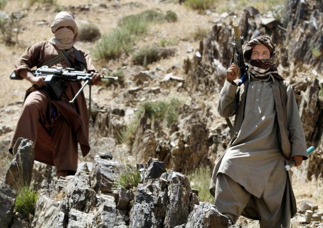 نظامیان امریکایی در افغانستان از استفاده از اسلحه علیه طالبان می ترسند