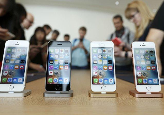 واکاوی جریان ممنوعیت واردات موبایلهای لوکس و حواشی آن