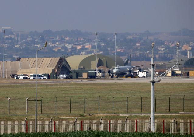 تظاهرات مردمی در ترکیه در مقابل پایگاه هوایی ناتو در این کشور
