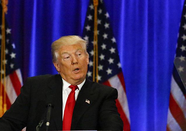 برنامه های جدید دونالد ترامپ برای بی اعتبار کردن هیلاری کلینتون