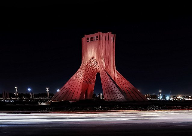 برج آزادی تهران به رنگ پرچم افغانستان درآمد
