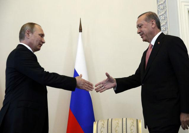 اردوغان پوتین را دوست عزیز خطاب کرد