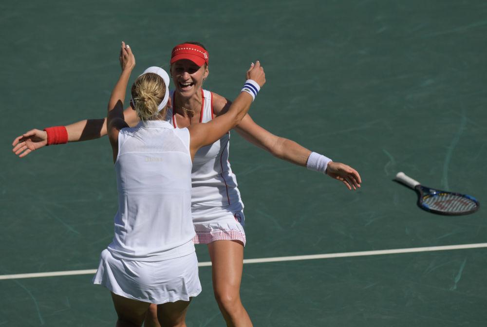 یکاترینا ماکارووا و یلنا وسنینا تنیس بازان  روسیه  در مسابقات المپیک ریو د ژانیرو