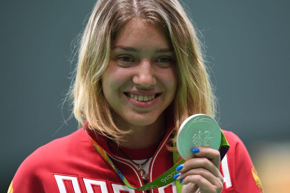 ویتالینا باتساراشکینا تیرانداز روسیه برنده مدال نقره در مسابقات المپیک ریو د ژانیرو