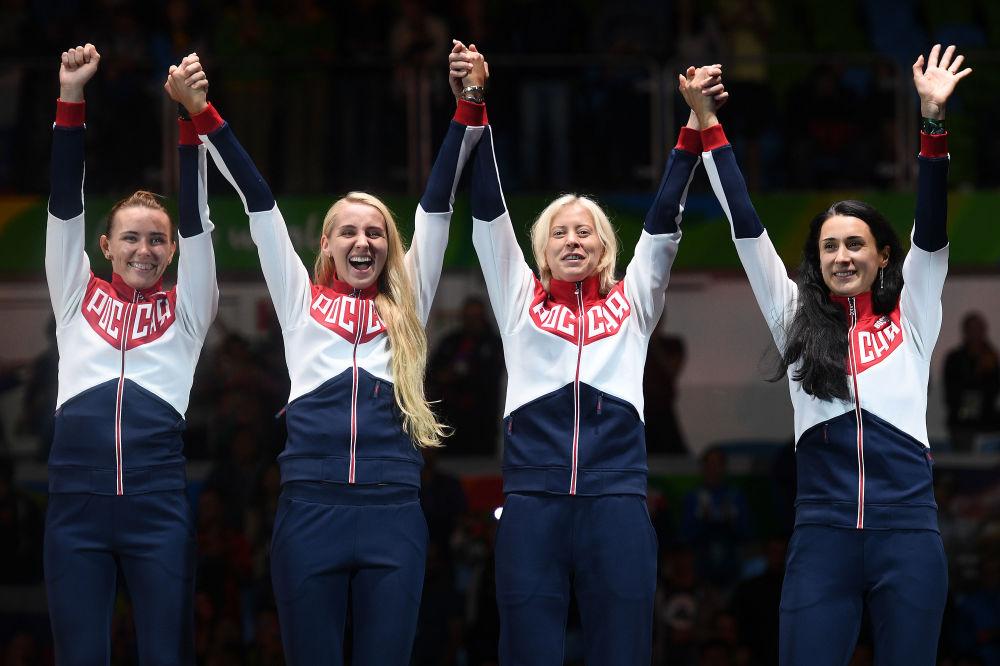 ورزشکاران روسیه برنده مدال نقره در شمشیربازی در مسابقات المپیک ریو د ژانیرو