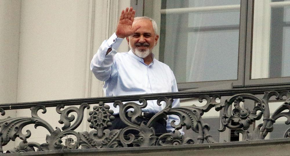 واکنش ظریف به زمزمه اخراج فرزندان مقامات ایران از آمریکا