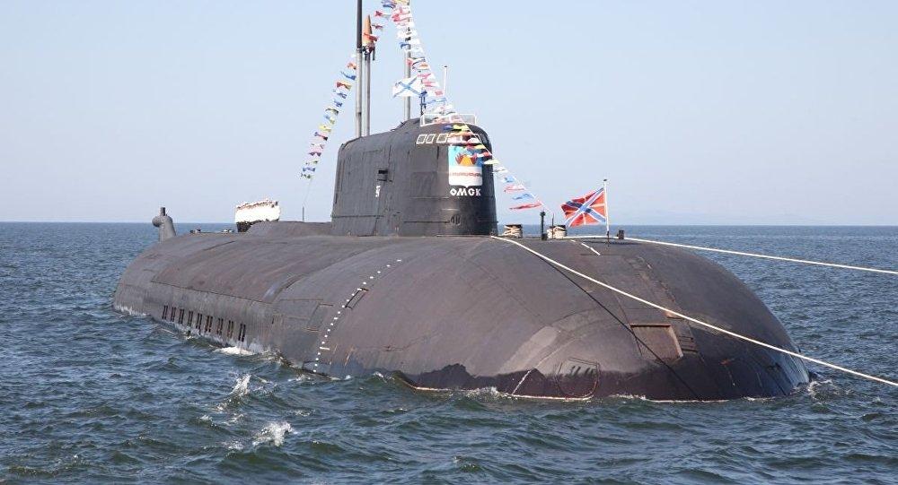 زیردریایی اتمی روسیه یک ناو را در اقیانوس آرام منهدم کرد + فیلم