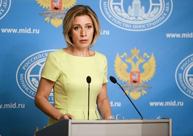 مسکو: ممکن است ارتباطی بین گلوله باران سفارت روسیه و پیام های تهدید آمیز آمریکا باشد
