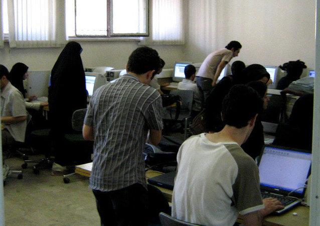 واکنش کاربران به درگیری لفظی کارمند گمرک و نماینده مجلس