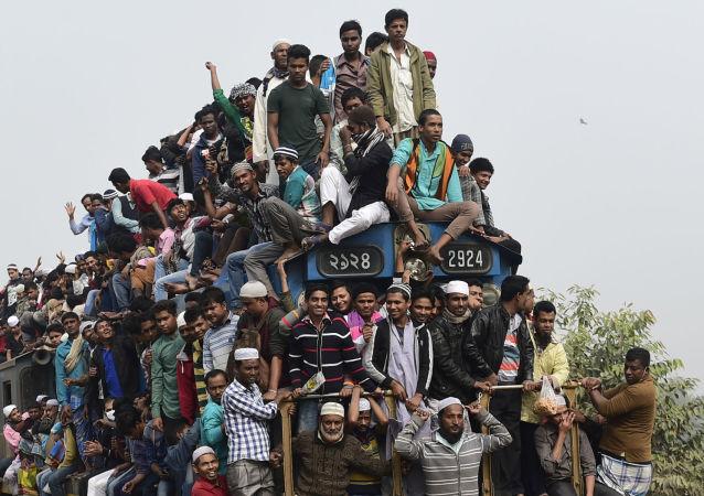 استفاده هندی ها از وای فای رایگان مترو جهت تماشای دسته جمعی پورنو