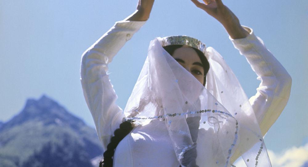 رقص ایرانی به تلویزیون چین راه یافت +ویدئو
