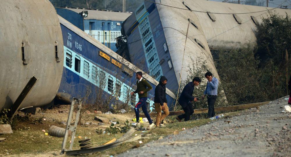 برخورد دو قطار در چک حداقل سه کشته و دهها زخمی برجای گذاشت