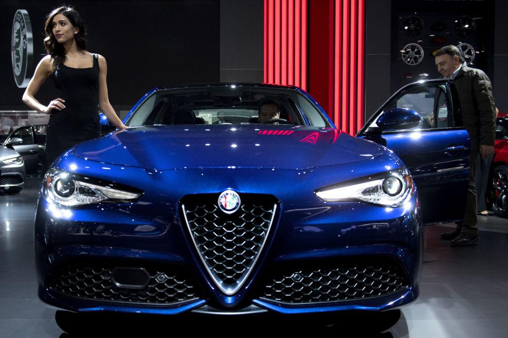 مدل در  مقابل Alfa Romeo Giulia