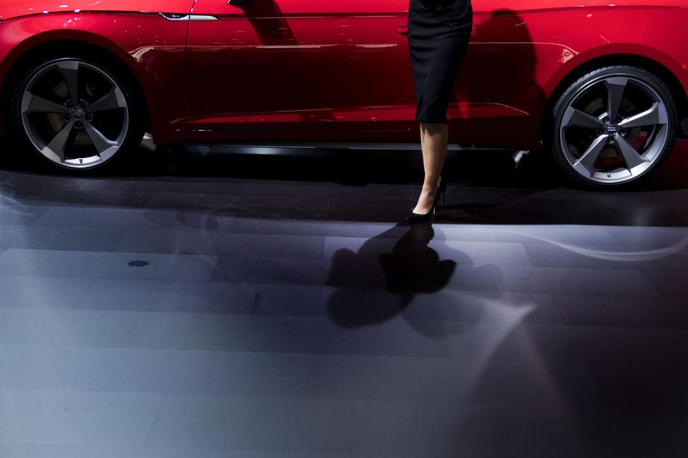 مدل در مقابل  Audi S5