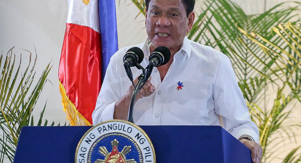 رئیس جمهور فیلیپین، شهروندانی را که واکسن نمی زنند را به زندان تهدید کرد