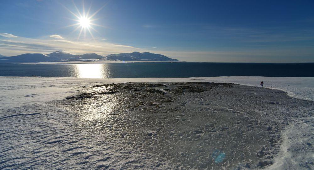 دانشمندان از میزان بی سابقه آب شدن یخ ها در منطقه شمالگان خبر دادند