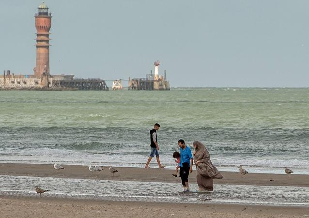 دریا یک و نیم تن کوکائین را به ساحل فرانسه آورد