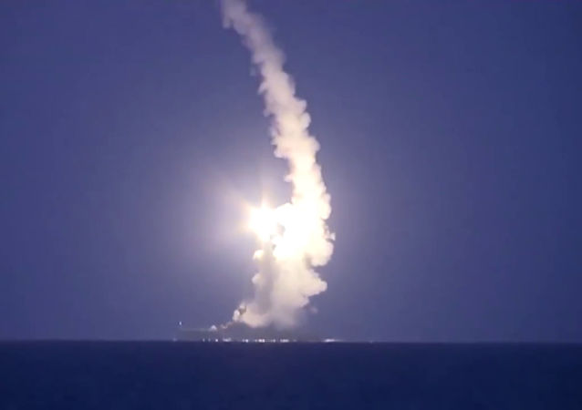 پایگاه ملک سلمان در عربستان با شلیک موشک بالستیک هدف حمله قرار گرفت