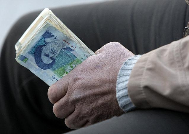 بزرگترین پولشوها ایران را به پولشویی متهم می کنند