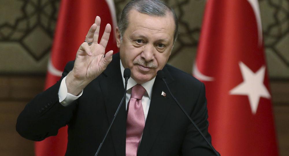بازتاب حافظ خوانی رئیس جمهور ترکیه در آستانه شب یلدا در شبکه های اجتماعی +ویدئو