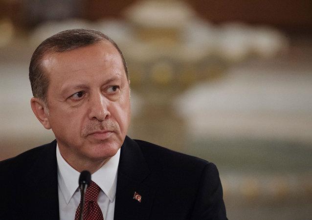 اردوغان: 26 نفر در پی زمین لرزه ازمیر جان باختند
