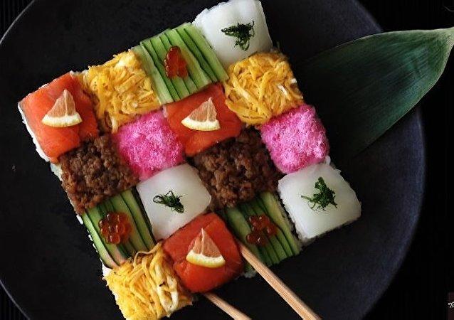 سوشی، غذای ژاپنی بخورید!