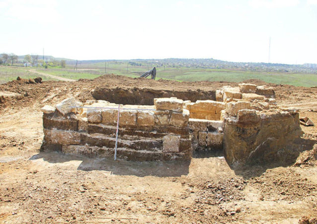 در کریمه، یک آرامگاه باستانی زمان اسکندر مقدونی کشف شد