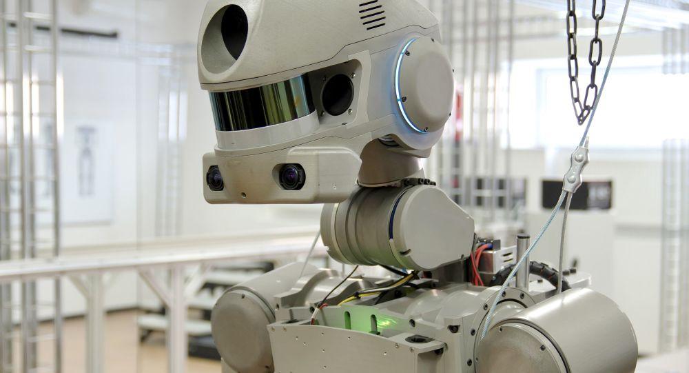 فروش ربات رزمنده چهارمتری در فروشگاه اینترنتی ای بی + ویدئو