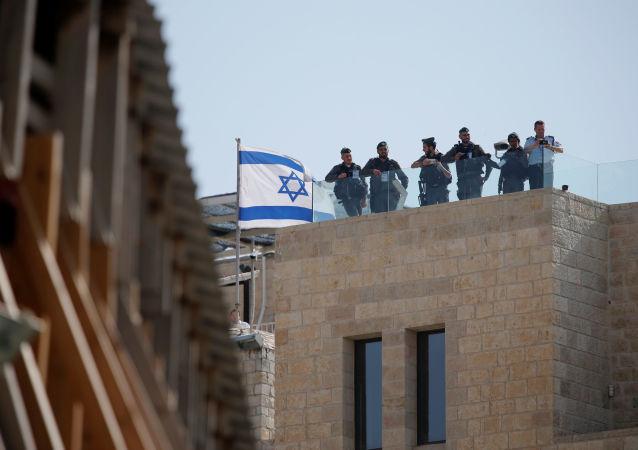گارد اسرائیل، دستگاه امنیتی فلزیاب در بیت المقدس را جمع نمود