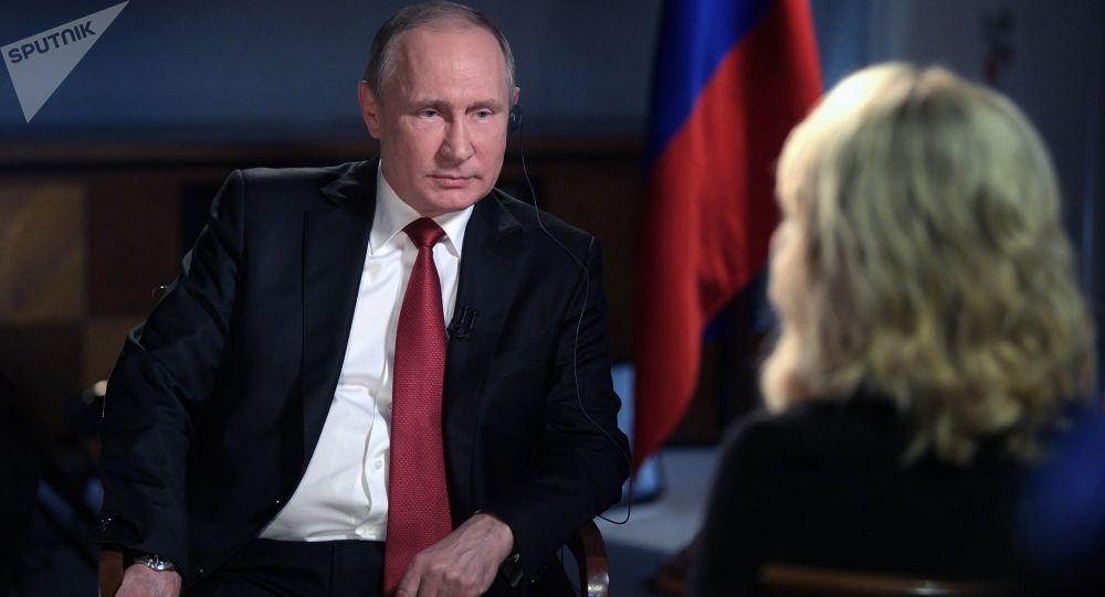پوتین : آمریکا می خواهد اقتصاد روسیه را نابود کند