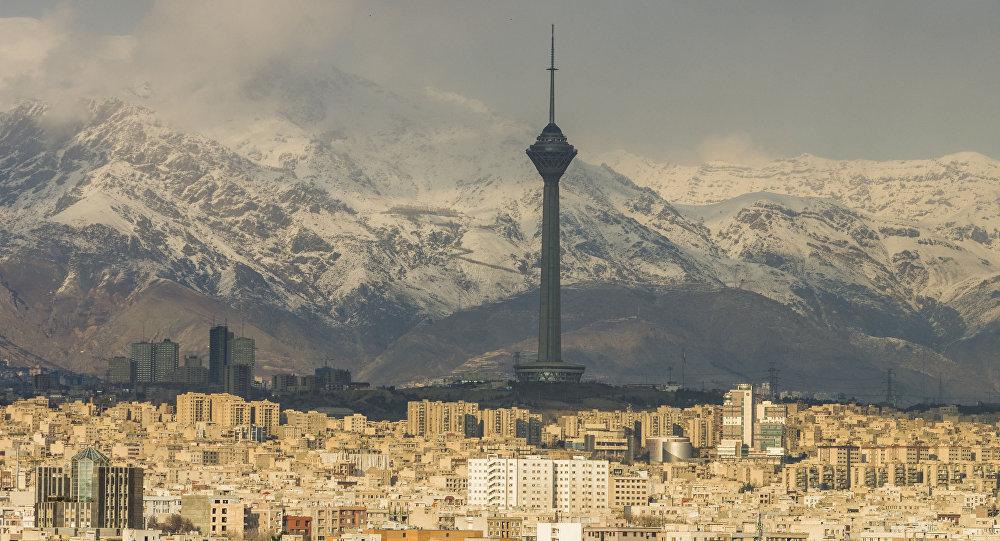 «قمه کشی» در متروی شهرری در تهران