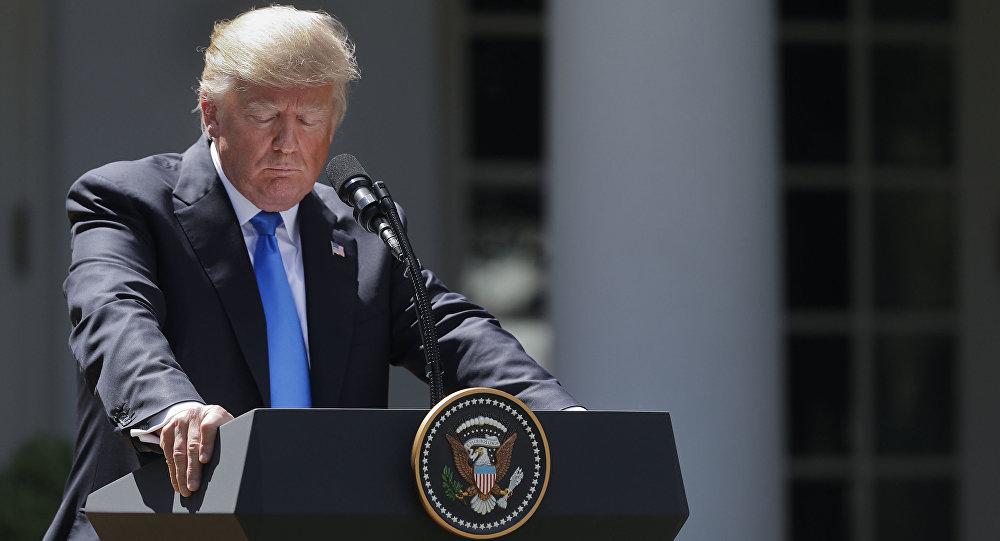 شعار مرگ بر آمریکا در پاریس