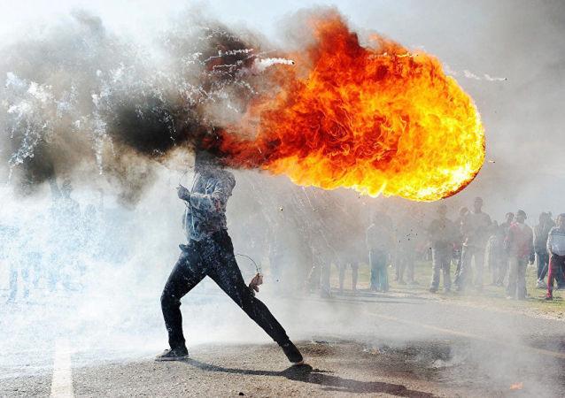 مسابقه بین المللی عکاسان خبری نام آندره استنین – بخش خبار اصلی
