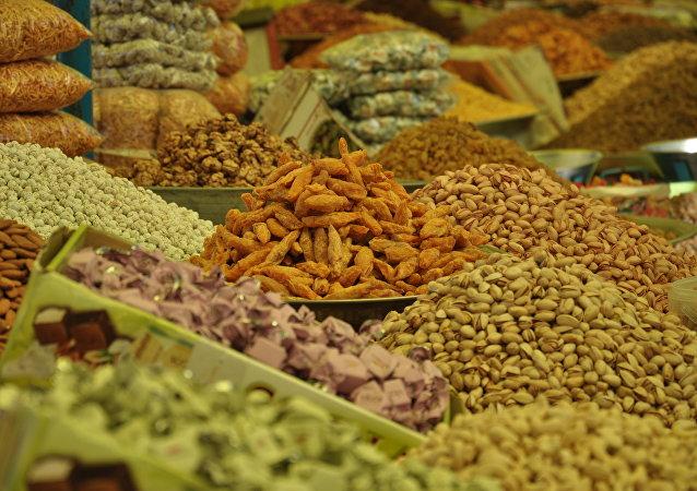 چه چیزی به پر شدن میزان پروتئین کمک می کند؟
