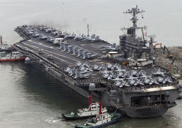 ناو هواپیمابر هستهای آمریکا وارد خلیج فارس شد