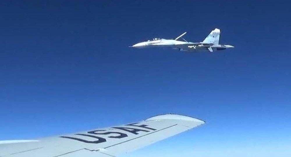 رهگیری بمب افکن آمریکایی توسط جنگنده های روسیه